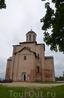 Смоленск, церковь Михаила Архангела, 12 век. Как говорится, зодчих было мало, косячить было стыдно