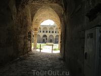 Акко - крепость крестоносцев. Древние развалины, хранящие память о многих народах, населявших когда-то эти места.