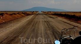 Степная «монгольская» дорога. Иранская степь точь в точь напоминала монгольскую...