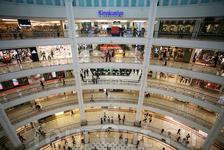 В башнях Петронас, конечно, тоже есть огромный шоппинг-центр. Убивали там время до темноты.