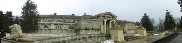 Грязелечебница. Построена году в 1914-1915 (снимок склеен)