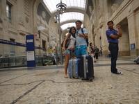 изнутри Миланского вокзала