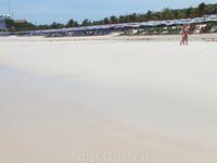 Ко Лан.Полупустой пляж Тьен.