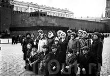 Экскурсии по Москве после участия в выступлении на смотре народного творчества.