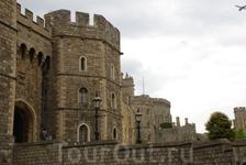 Виндзорский замок- резиденция британских монархов в городе Виндзор, графство Беркшир, Англия. На протяжении более 900 лет замок являет собой незыблемый ...