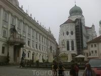 Площадь Резиденции.
