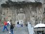 Старейшая пещера в Лунмэне – Гуян-дун - начала оформляться еще в 495 г. при династии Северная Вэй. Пещеры Гуян покрыты беспорядочно расположенными нишами ...