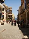 Центральная улица, соединяющая порт и центральную площадь Венизелоса.