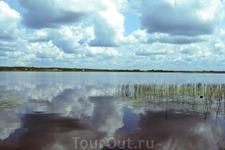 Озеро Жижица. Вид на деревню Карево - родину Модеста Петровича Мусоргского