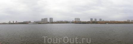 Панорама Химкинского водохранилища с борта теплохода.
