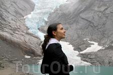 мокрая, но довольная, я всё же поднялась к леднику Бриксдаль...