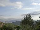 От площадки с бассейнами видна сьерра - Sierra de Horche.