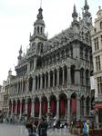 Это центральная площадь в Брюсселе - не описать какое это красивое место, там даже есть ресторанчик - Белый лебедь, где заседал К.Маркс.