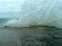 Занавес поднят!...))) (Море в Новом Афоне)