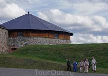 На территории крепости и вокруг нее ежегодно проводится реконструкция времен Средневековья.