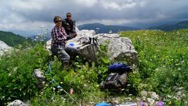 17.07.12 13.42 Небольшой привал на пути к Армянскому перевалу.Кстати в походе очень выручала небольшая газовая плитка и чайник