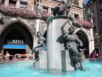 Мариенплац, фонтан Fischbrunnen