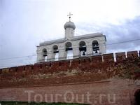 Новгород (Великий). Кремлевская стена.