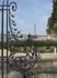 Одно из любимых моих фоток.Ажурная решетка  ограды вдоль канала,что в Пантеоне.Продолжение в следующем альбоме-про Музей Армии, и собор Сент-Дени.