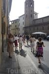 Пиза.На подступах к площади Кавальери.Справа церковь святого Сикста - Chiesa di San Sisto.