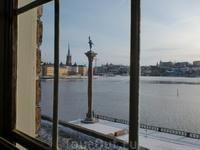 Вид из окна галереи принца на залив Риддарфьерден.