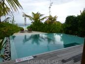 Это другой тип номера в Kandolhu, бич вилла. Собственный бассейн и собственным только твоим кусочком пляжа. )