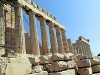 За много веков храм не раз подвергался нападениям, значительная часть храма была разрушена, а исторические реликвии разграблены. Сегодня некоторые части шедевров античного скульптурного искусства можн