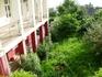 Вид на сад из окон гостиницы