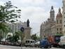 На этой площади был установлен первый в Валенсии светофор, а еще здесь находится отметка нулевого километра. Нумерация всех улиц Валенсии начинается отсюда ...