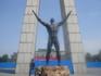 Статуя на центральной площади.