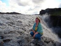 Dettifoss - водопад на реке Йёкульсау-ау-Фьёдлум в северо-восточной Исландии, самый мощный в Европе. Ширина Деттифосса около ста метров, высота — 44 м ...