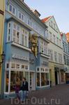 Backerstr., пешеходная улица. Поразил гигантский херувим на фасаде))