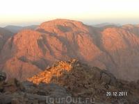 Гора Моисея (Синай); горы на рассвете