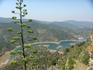 С горы, на которой располагается эта деревушка, открываются чудесные виды на каталонский ландшафт