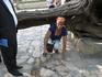 бухара  Мавзолей Бахауддина Накшбанда  Здесь есть святой источник,небольшой хауз. На берегу водоема лежит ствол сухого ритуального тутового дерева. Легенда ...