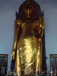 На территории Ват По (он же Храм лежащего Будды)