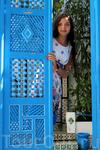 В одном из внутренних дворов дома. Дочь владельца этого дома сделала из него музей, теперь туристы могут не только гулять по скромным узким улочкам Сиди ...