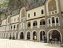монастырь комплекс ,церковь Св.Креста,Св.Введения и Святой Троицы