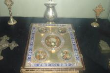 Экспонаты Цетиньского монастыря. Все из золота, серебра с драгоценными камнями