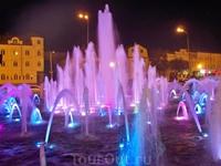 Шикарный светомузыкальный фонтан