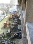 """Во время моего посещения замка, там проводились съемки фильма """"Тарас Бульба"""". Пушки под стенами - это декорации к нему, думаю их там так и оставили, уж ..."""