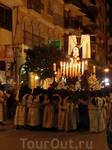 """Эта фигура Мадонны одна из самых старых и почитаемых в городе. Ее привезли в город члены доминиканского ордена в XVII веке и ее несут участники  """"Procesión ..."""