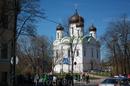 В этой точке мы решили отстать от парада и пойти в сторону Екатерининского дворца