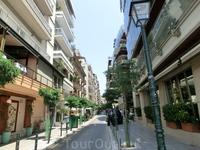 Улочка Салоник, отходящая от набережной