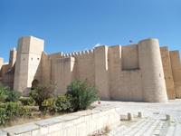 Крепость в городе