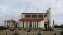 Современные Церкви Польши надо сказать имеют зачастую очень интересные формы. Вообще, они другой раз выглядят как коттеджи с крестом на крыше. Если это ...