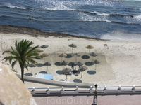 Городской пляж...