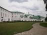 Архиерейский дом – огромный, внушительный, сложной планировки – удачно сочетает в себе камерную прихотливость «хоромного строения» с регулярной геометрией ...