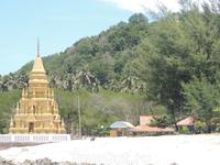Одна из достопримечательностей острова - Пагода Лаем Сор