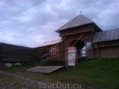 Вход в музей деревянного зодчества